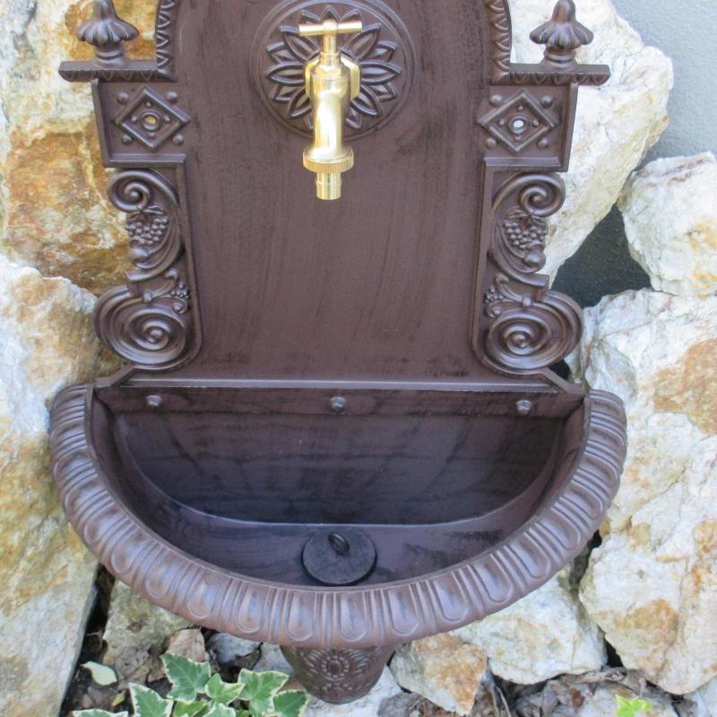 Wandbrunnen garten waschbecken braun wandwaschbecken antik for Garten waschbecken antik