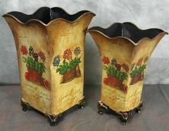 Nostalgia Vase Set of 2 metal vase
